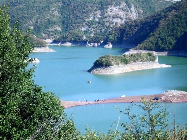 Slika 12 Uvac, Sjenicko jezero